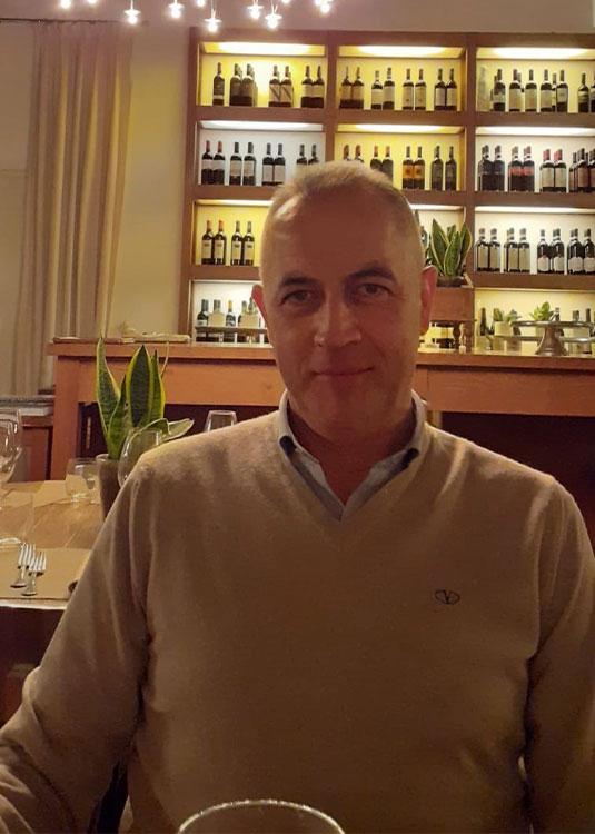 https://www.terreneremontalcino.it/wp-content/uploads/2020/12/enologo-gorelli-1.jpg